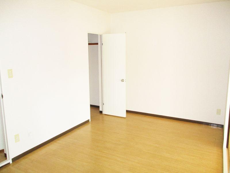 リヴェール森谷102号室
